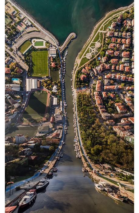 Стамбул в проекте *Флатландия*. Автор фото: Aydin Buyuktas.