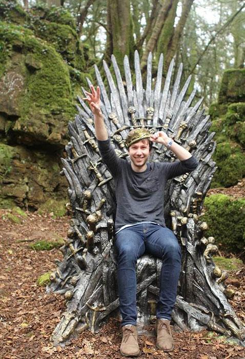 Первый трон был найден в лесах Англии.