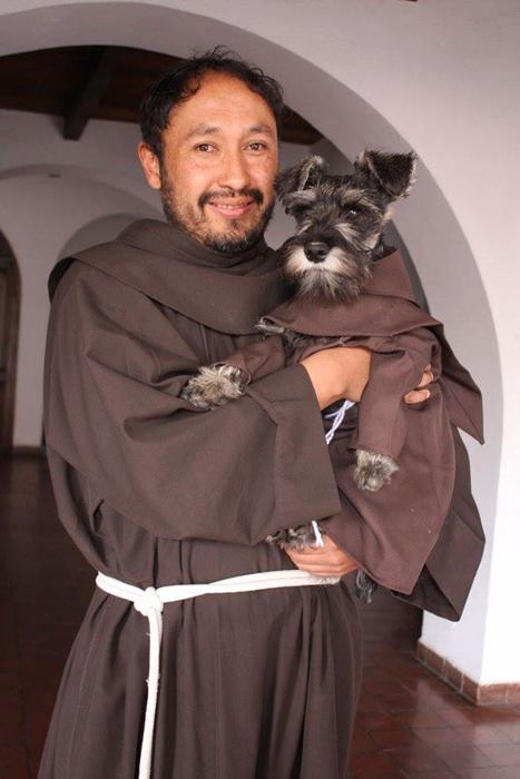 Новый послушник в монастыре.