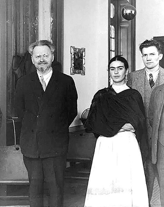 Фрида Кало и Лев Троцкий в Мехико. 1937 год.