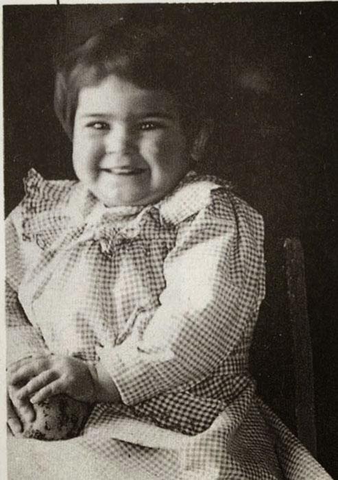 Двухлетняя Фрида, 1909 год.