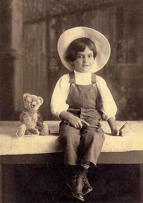 Шестилетняя Фрида в объективе своего отца.