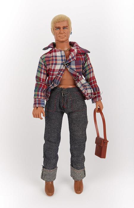 Кукла Гей Боб была выпущена в 1977 году.