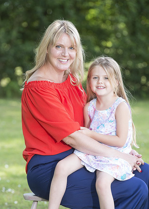 Эмма и ее дочь Отти.