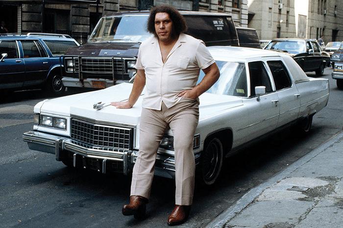 Из-за своего роста Андре было трудно передвигаться на автомобиле.