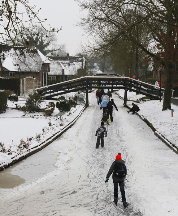 Зимой в Гитхорне не менее интересно и необычно.