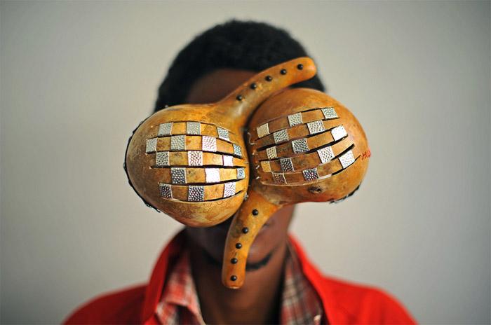 Авангардные очки Сируса Кабиру.