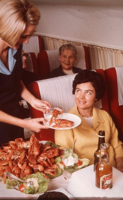 Еда подавалась на борту самолета всегда высококлассная.