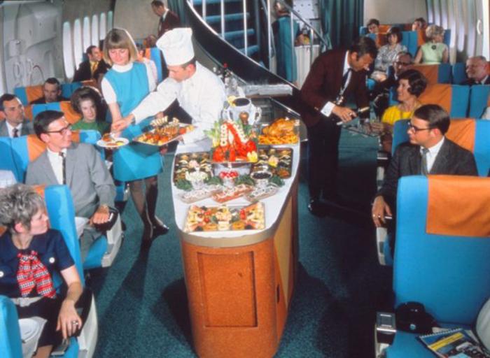 Самолеты золотой эры полетов отличались повышенной комфортабельностью.
