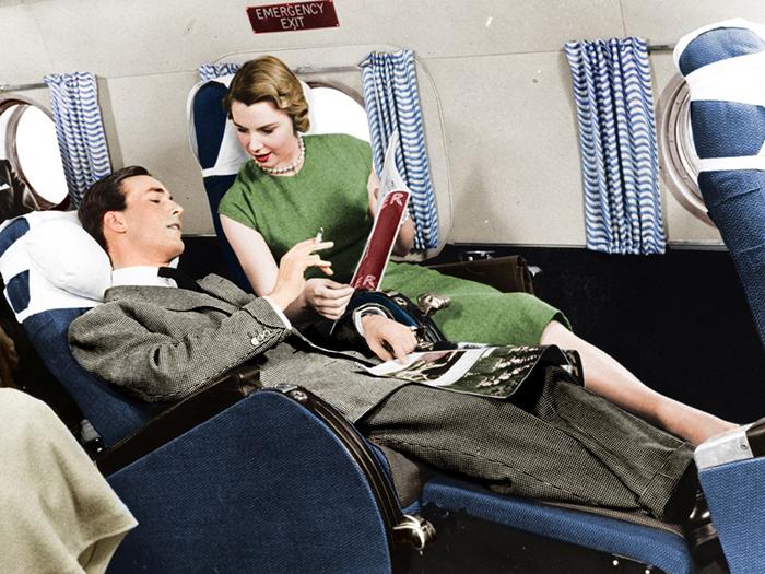 В самолетах 1950-1970-х годов места для каждого пассажира было намного больше, чем в современных самолетах.