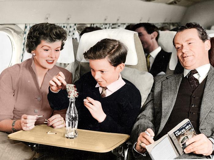 Авиакомпании старались завлечь новых клиентов своим высококлассным сервисом.