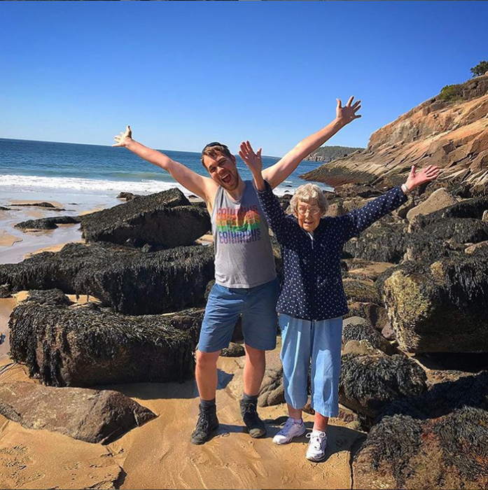 До 85 лет бабушка Джой никогда не видела ни океана, ни гор.