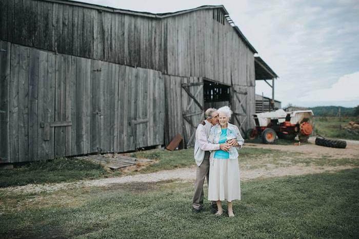 Фотосессию решили провести на ферме, на которой живут Олли и Дональд. Фото: Paige Franklin.