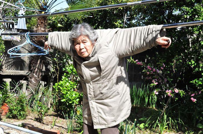 Бабушка не перестает экспериментировать. Фото: Kimiko Nishimoto.