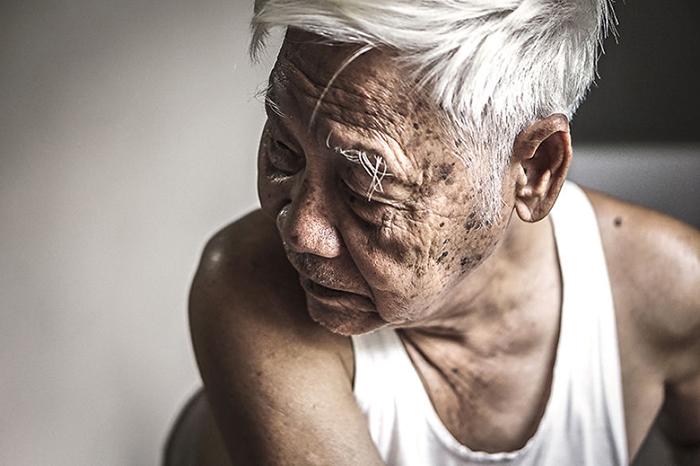 Дедушке 87 лет. Фото: Hạ My Photography.
