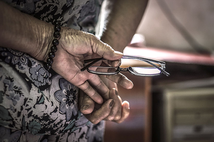 Руки.  Фото: Hạ My Photography.