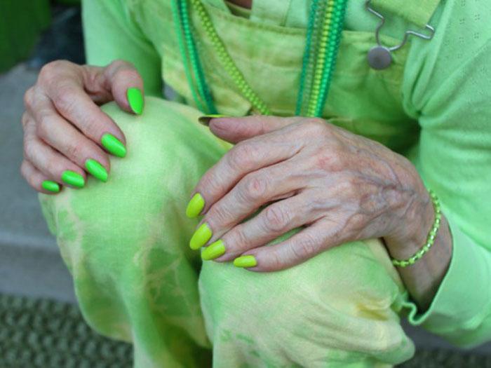 Все оттенки зеленого.