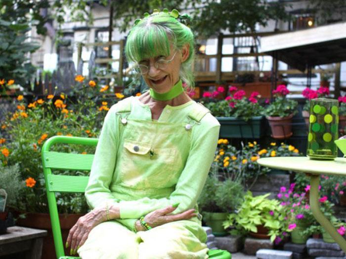 Может быть, зеленый стал таким важным для меня потому, что я выросла в таком месте, где было мало зелени.