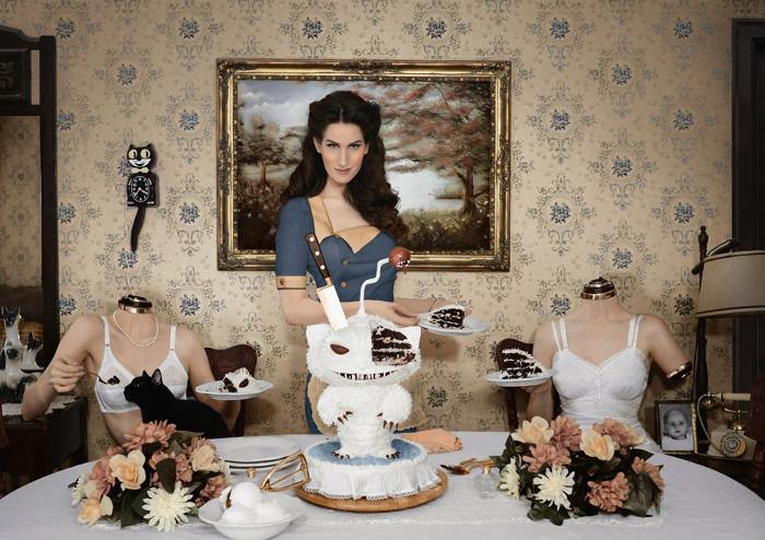 Автор декораций Кристин МакКоннелл и ее знаменитые тортики.