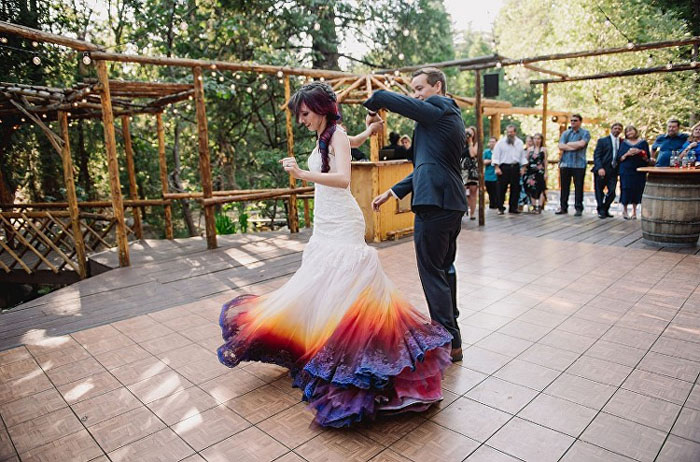 Танец молодоженов.  Фото: James Tang.