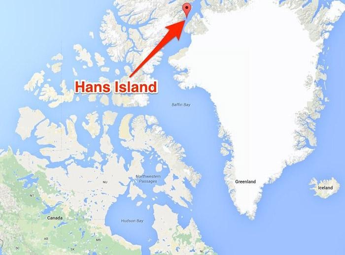 Остров Ганса находится между территорией Гренландии и Канады.