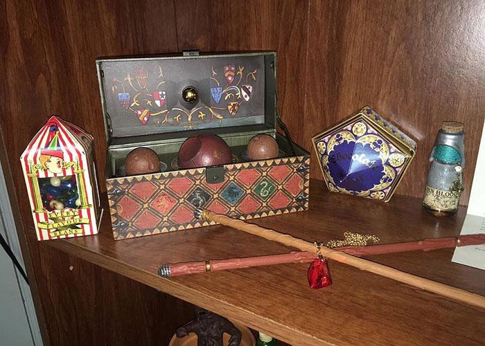 Снитчи и волшебные сладости из Хогвартс-экспресса.