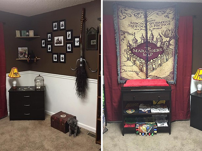 Комната полна *от и до* различными предметами, связанными с романами Джоан Роулинг.
