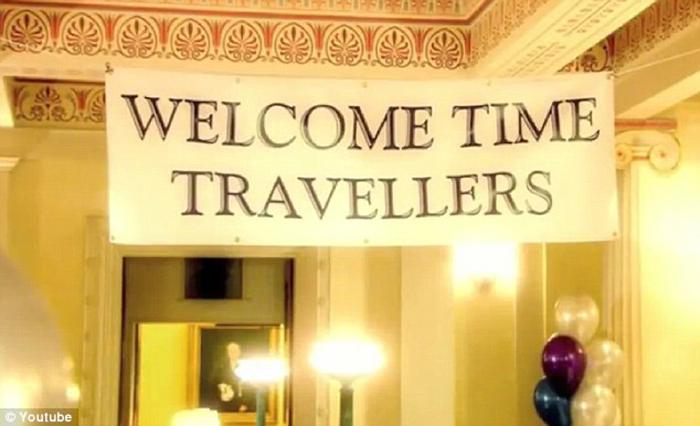 Добро пожаловать, путешественники во времени.