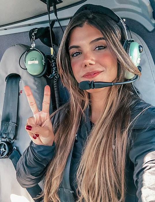 В свои 29 лет Луана уже получила 3 лицензии пилота вертолета.
