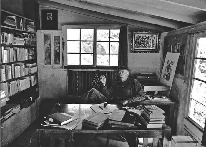 Henry Miller: ничего лишнего в рабочем пространстве.
