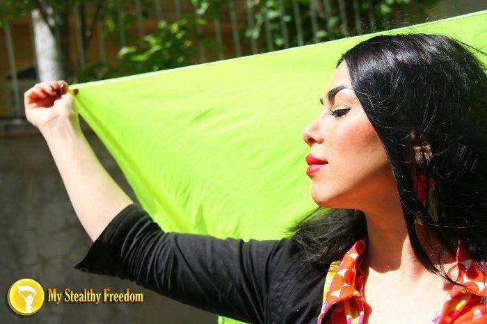 В надежде на простую свободу для иранских женщин.