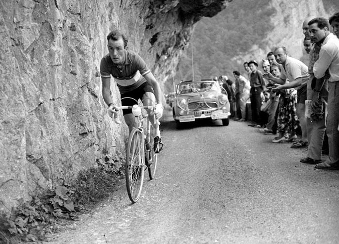 Шарли Голь из Люксембурга, которого прозвали *Горным ангелом* после его победы в 1958 году.