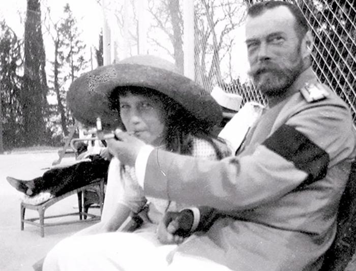Николай Второй и Анастасия.