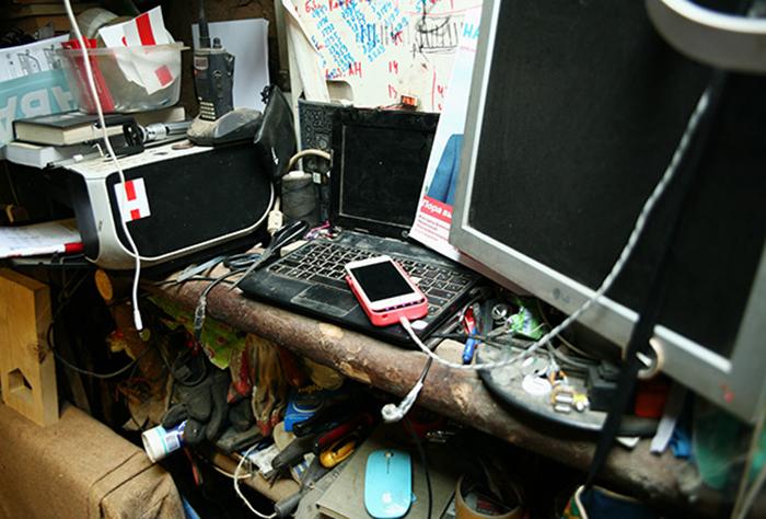 Рабочий стол Юрия. Фото: genamartynov.