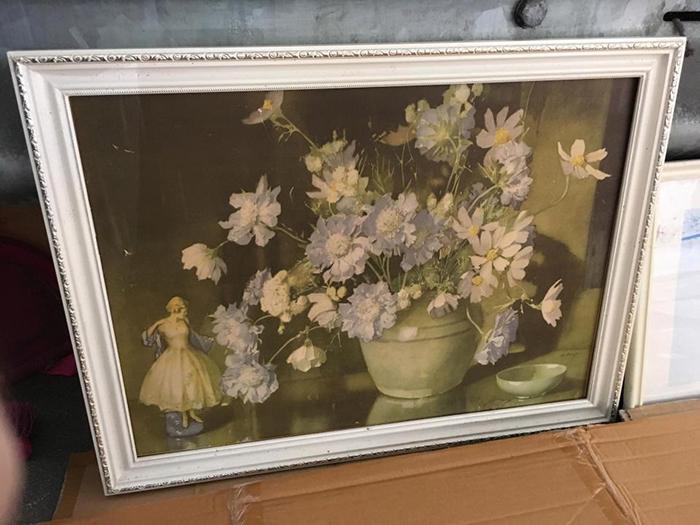 Одна из коллекции картин Пола.