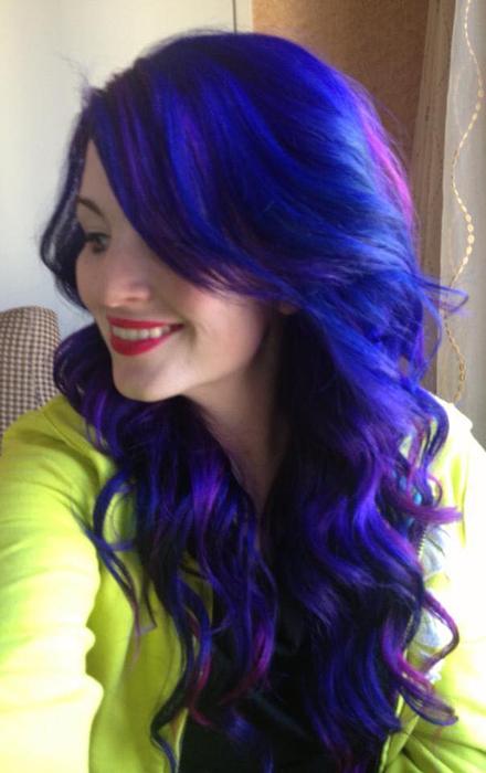 Урсула Гофф - парикмахер-стилист в Канзасе.