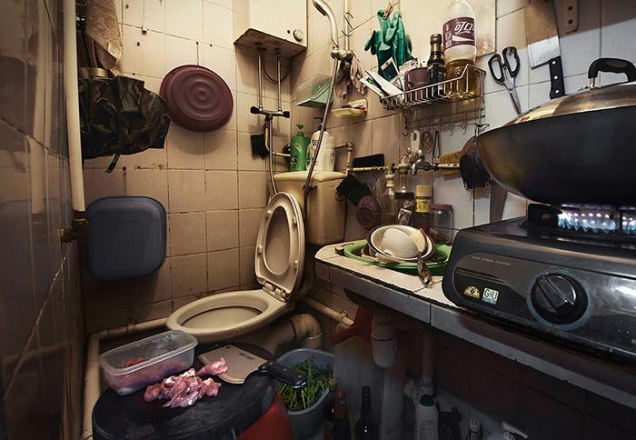 Фотографии разделенных квартир в Гонконге. Фото: Benny Lam.