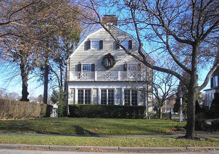 Дом в Амитивилле, в котором произошли убийства.