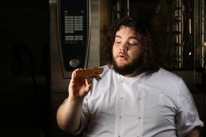 Актер из *Игры Престолов* открыл собственную пекарню.