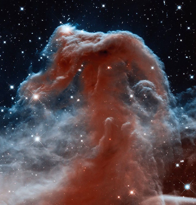 Posição: 40m 05h, -02 °, 27', a distância da comunicação terra 1.600.  anos;  unidade / ano: WFC3 / IR de 2012.