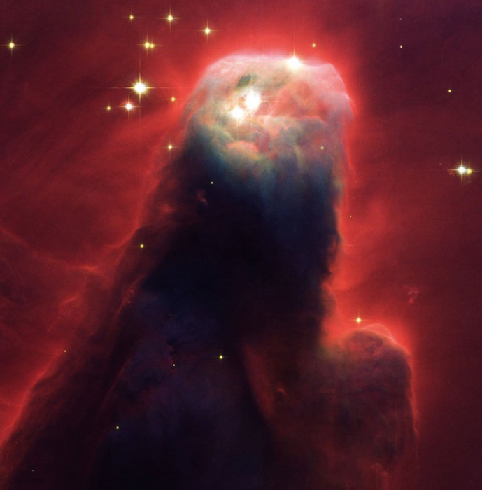 Позиция: 06h 41m, +09�, 25', расстояние от Земли: 2,500 св.лет, прибор/год:  ACS/WFC, 2002.