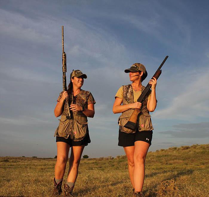 Хизер и Аманда отправляются на охоту почти каждые выходные.
