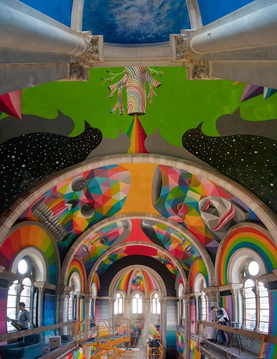 Психоделическое граффити от Okuda San Miguel.