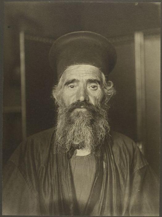 Священник греческой православной церкви.