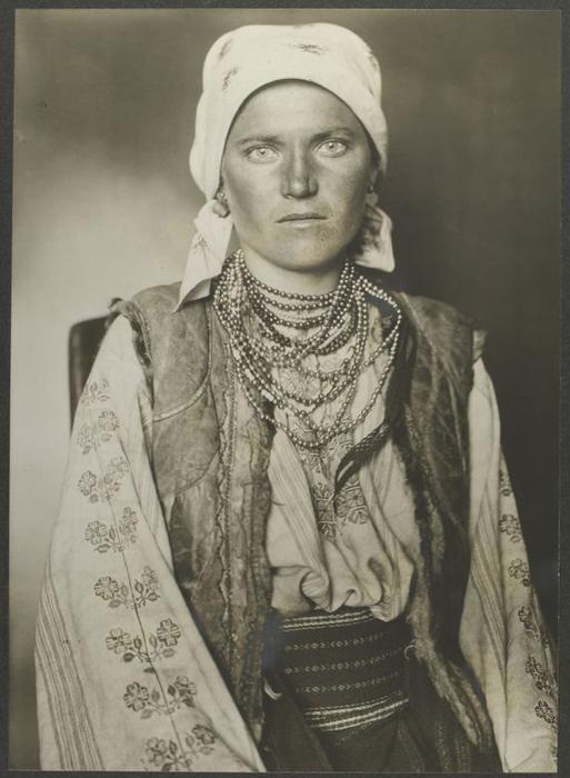 Женщина из Украины.