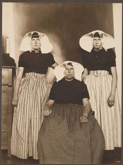 Женщины из Голландии.