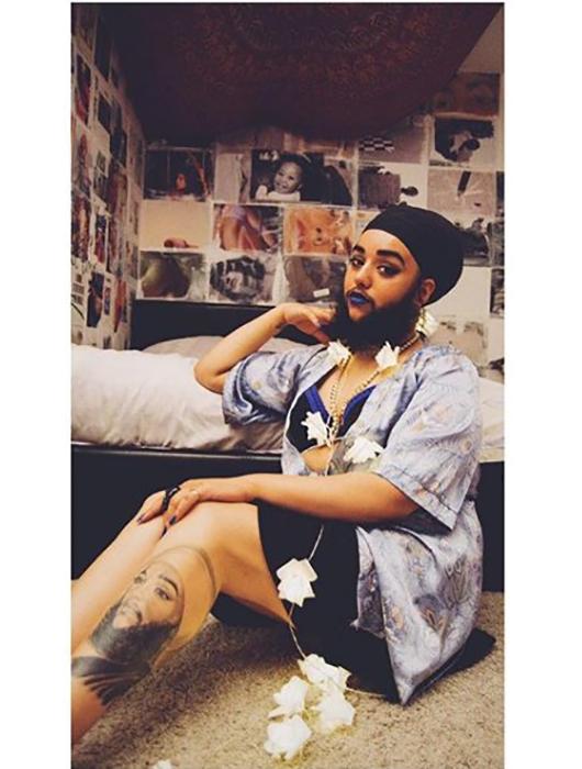 Харнаам сделала татуировку с собственным портретом. Instagram @harnaamkaur.