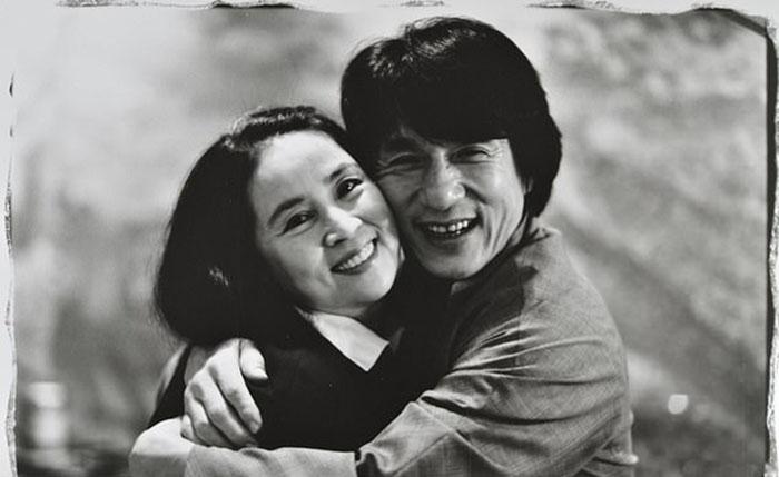 Джеки Чан со своей женой Джоан Лин.