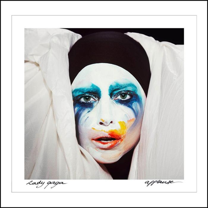 Обложка альбома Леди Гага «Applause».