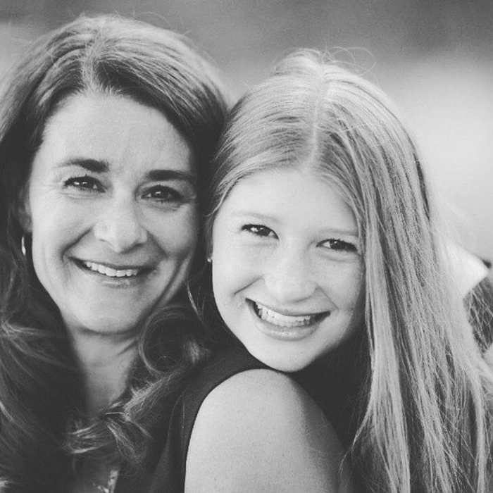 Мелинда с дочерью.
